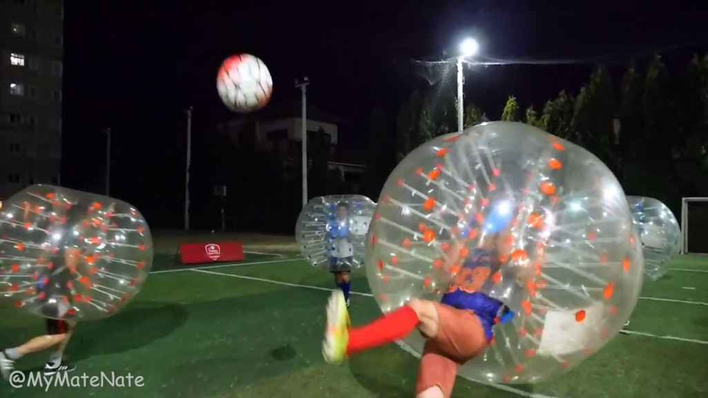 BKK BUBBLE BALL! บับเบิ้ลฟุตบอล in 4K (Ultra Hi-Def).mp4_snapshot_02.01_[2015.09.09_11.50.21]