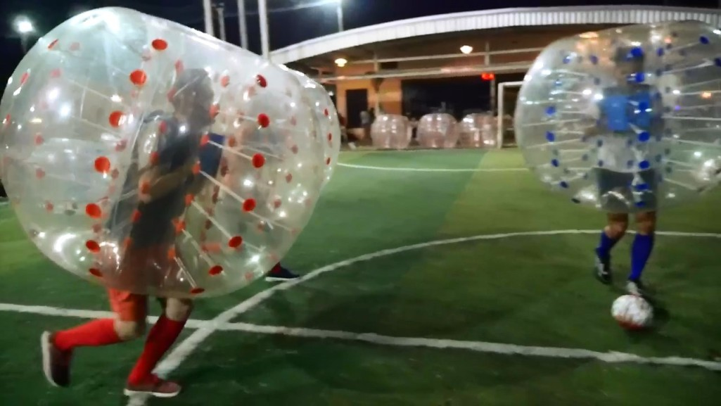 BKK BUBBLE BALL! บับเบิ้ลฟุตบอล in 4K (Ultra Hi-Def).mp4_snapshot_02.27_[2015.09.09_11.49.46]